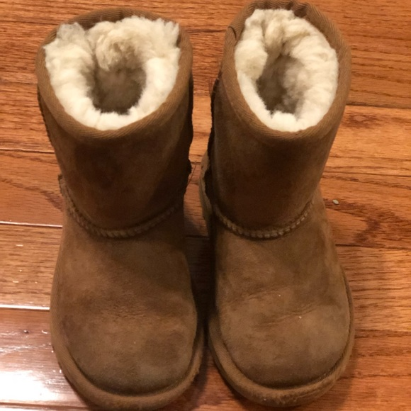 uggs for toddlers size 8